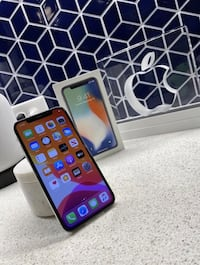 iPhone X Silver 256GB Unlocked *LIKE NEW* Black Friday Sale!