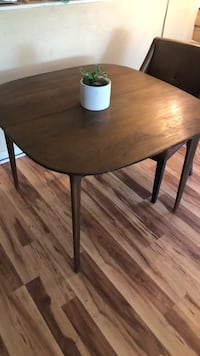 Mid Century dining table Fillmore, 93015