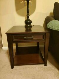 coffee table and matching end tables Stafford, 22554