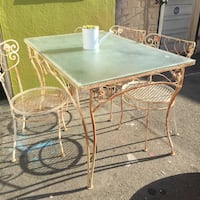 wrought iron table with 4 chairs Los Angeles, 91303