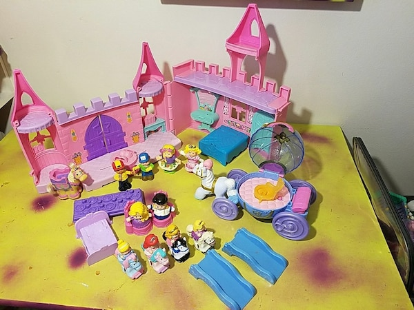 toddler's assorted color plastic toy set