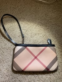Burberry wristlet Washington, 20016