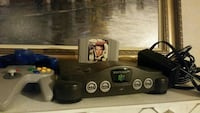 Nintendo 64 Console with 2 controllers + game