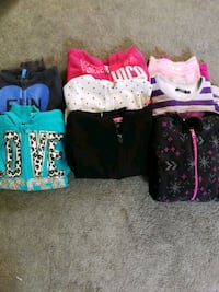 Hoodies and sweaters girls size 7-8 Ajax, L1T 1P8