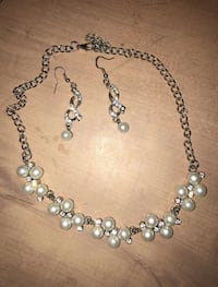 silver-colored white pearl beaded bauble and chain necklace Silver Spring, 20906