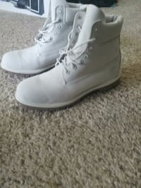 pair of gray leather work boots Saint Charles, 63303