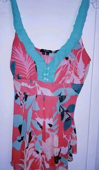NEW Women's red and blue floral shirt Vancouver, V6P 4G5