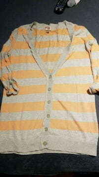 Peach and tan sweater medium Elgin