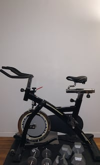 Gold's Gym Cycle Trainer - Used - Indoor Bike with extra wide seat New York, 10026