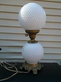 Vintage RARE  HEDCO  3 WAY HOBNAIL TABLE Lamp  19362, 19362