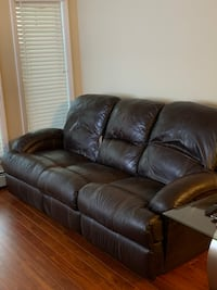 Oakley Leather Sofa and Recliner Edmonton, T5X 3S1