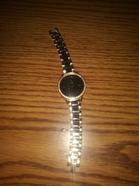 Womens round silver-colored analog watch  Toledo
