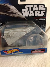 Star Wars hot wheels new in package lot 2180 mi