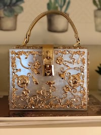 Cute and cool design gold purse - SEND OFFER