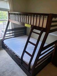 Bunk bed  twin over full Odenton, 21113
