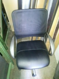 black and gray rolling armchair Los Angeles, 90037