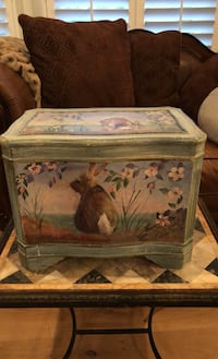 Painted bunny box