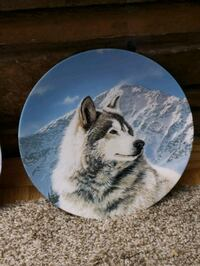 Collector wolf plate's  Bountiful, 84010