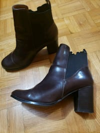 pair of brown leather round toe chunky heeled boot Scarborough, M1L 3E8