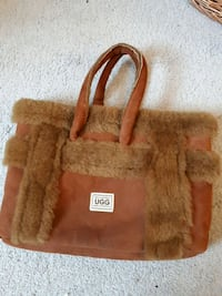 Authentic Ugg handbag BNWOT Orangeville, L9W 3P8