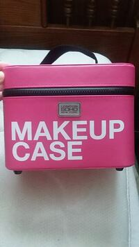 Make up bag and Red purse  Clemmons, 27012