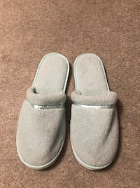 NEW Home Slippers Markham, L3R