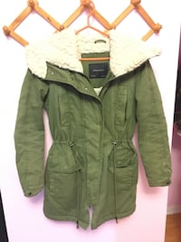 Winter jacket Size s Mississauga, L5M