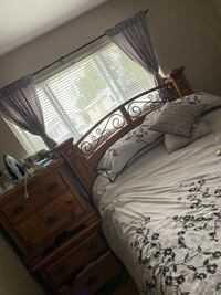 Bed suite kept in very good condition ! Only selling it bc we're movin