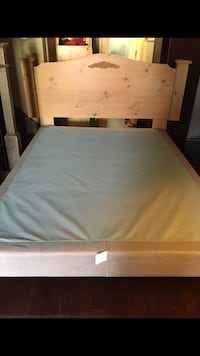 Queen size bed +box 蒙特利尔, H3G 2E3