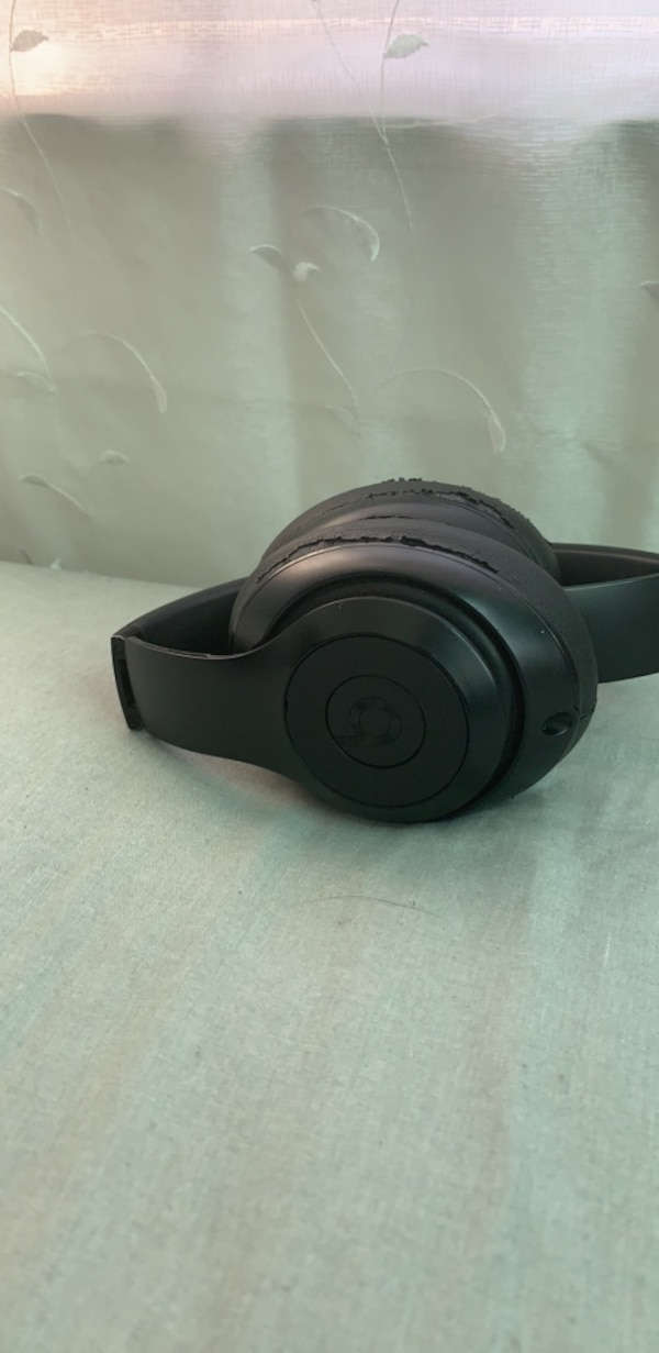 Black beats by dr