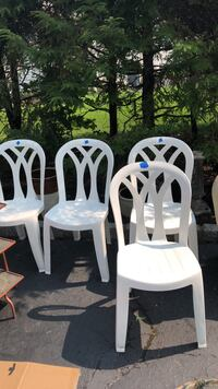 four white wooden windsor chairs Ramsey, 07446