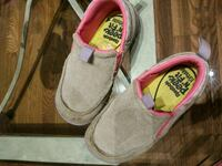 pair of pink-and-white slip on shoes Barrie, L4N 8N9