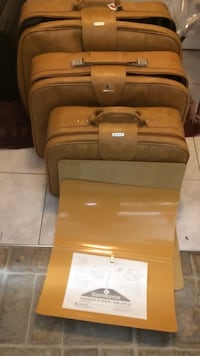 Samsonite; luggage, vintage, brown; 3 Nanaimo, V9S 2H6