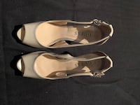 Nude Guess peep toe, size 5 Vaughan, L6A