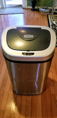 Large stainless trash can  Montclair, 22025