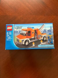 LEGO 7638 tow truck (retired)