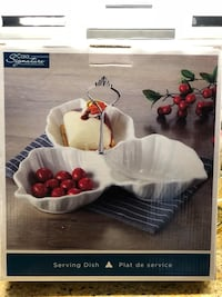 Brand new in box serving dish with silver carrying handle Vaughan, L0J 1C0
