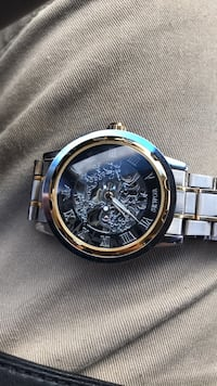 round gold-colored chronograph watch with link bracelet Tucson, 85710