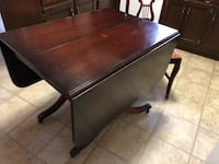 Rectangular dining room table with four chairs Mount Airy, 21771