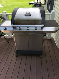 Used char broil pro series stainless steel grill w new Burners. Works perfectly!  First $75 Cash takes it Ballston Spa, 12020