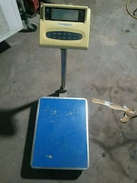 Working 3000  pound scale. Omaha, 68107