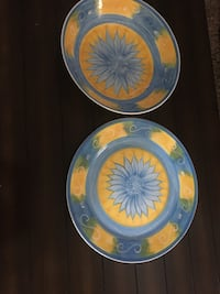 Round blue and yellow ceramic plate Toronto, M3J 1P1