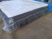 Luxury king mattress Sealy Posturepedic pocket coil $700 delivery avai Edmonton, T5A 4H3