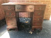 Desk antique  Falls Church, 22042