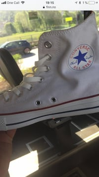 unpaired svart Converse All Star high-top sneaker Sofiemyr, 1412