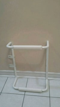 Grab bar for toilet seat made of metal  Vaughan, L6A 1Y4