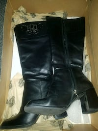 pair of black leather boots Blairstown, 07825