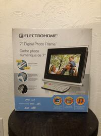 "Electrohome 7"" digital photo frame (brand new still in plastic) Winnipeg, R2M 3A5"