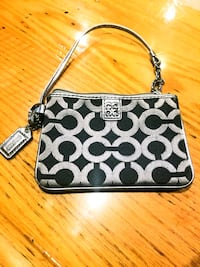 Coach authentic wristlet Chattanooga, 37343