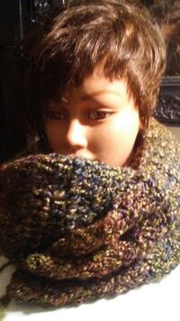 women's brown and purple knitted scarf Baltimore County, 21244